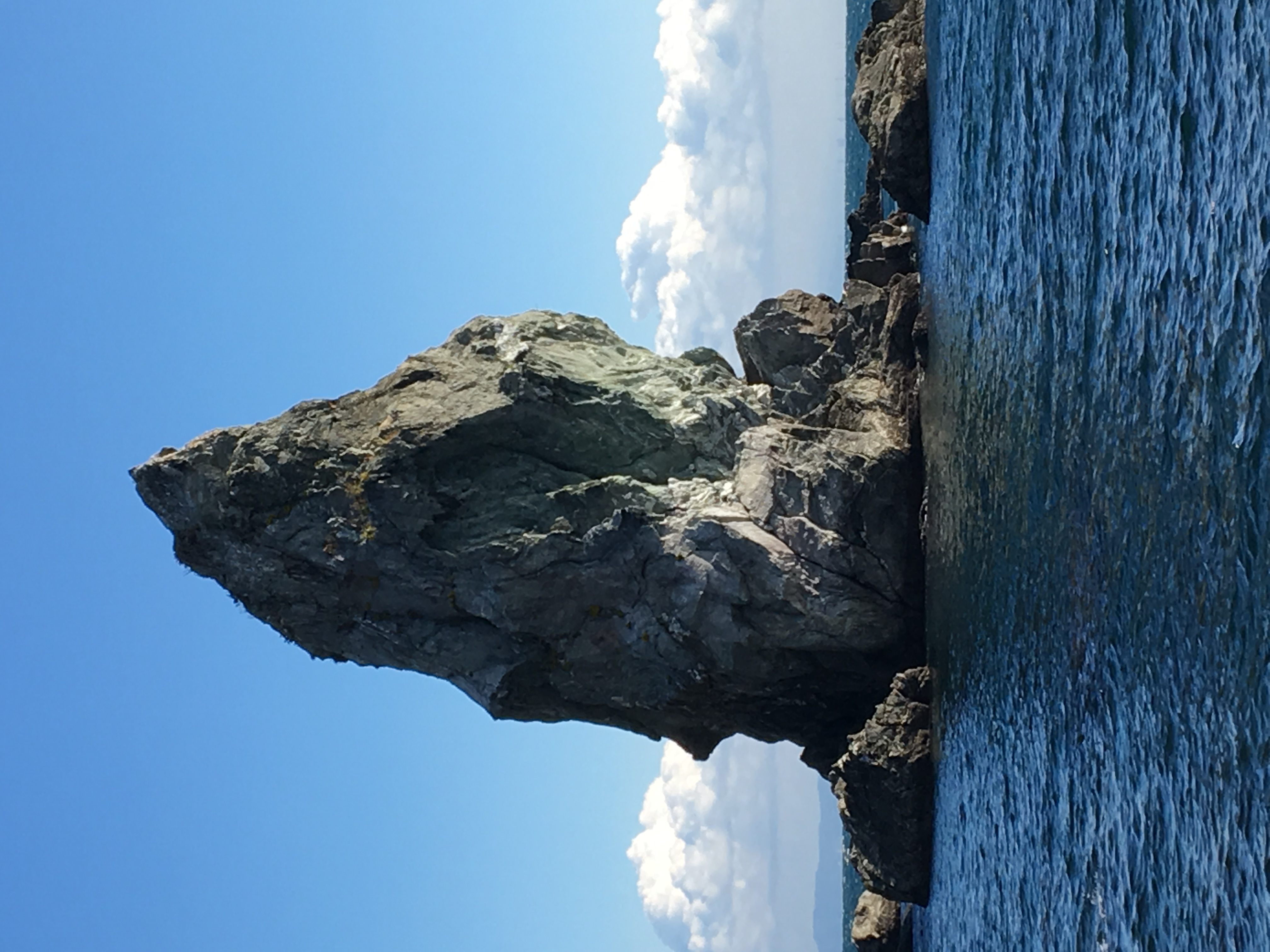 上立神岩の写真02